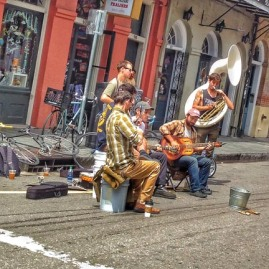 2___43_New Orleans cycling musicians FBsm px